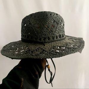 SALE 💚 BNWT Straw Summer Hat (100% Paper)
